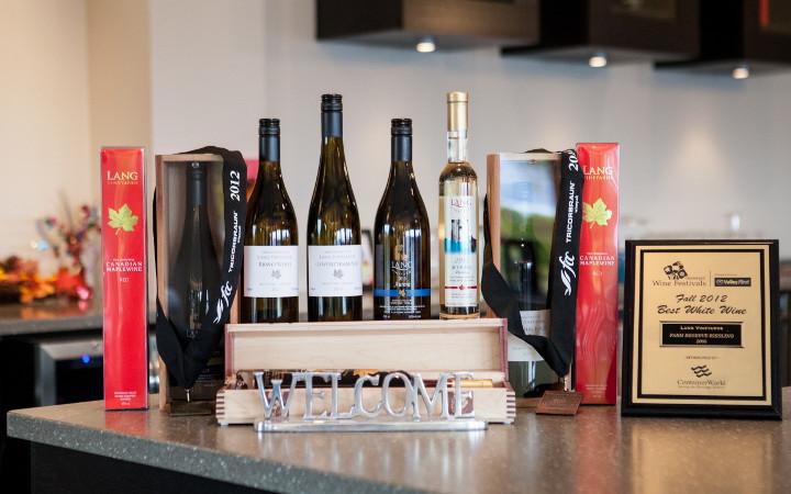 Awards & Wines